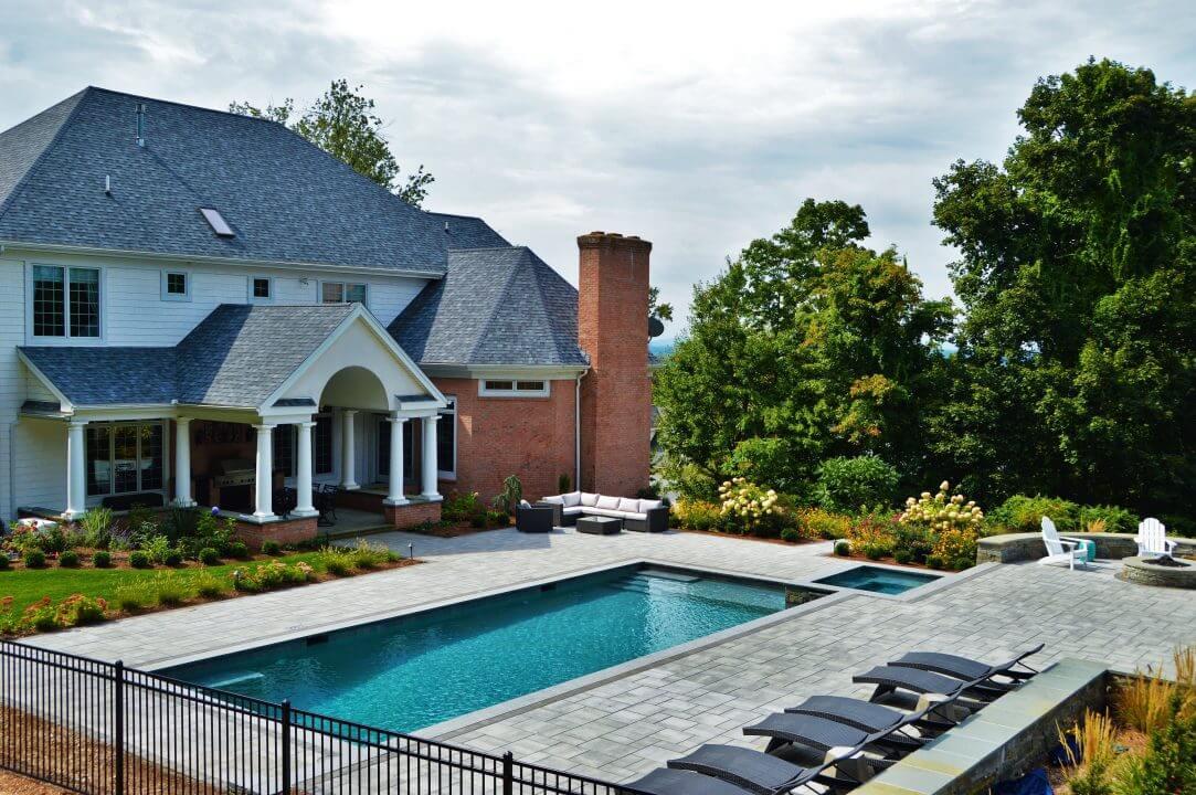 Inground gunite rectangle swimming pool and hot tub